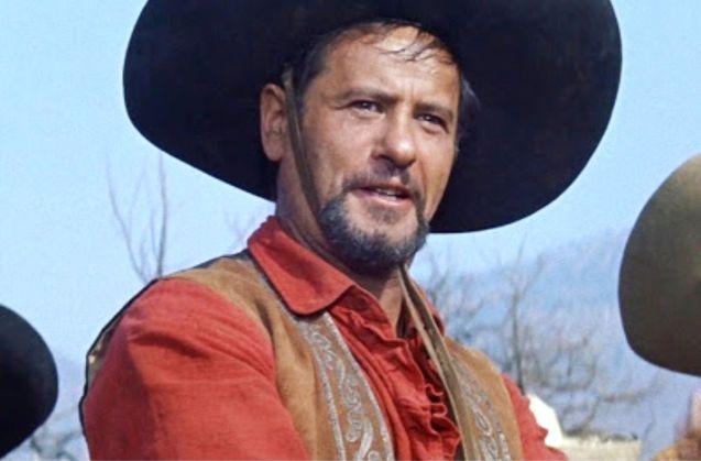 وفاة الممثل الأمريكي إيلي والاش