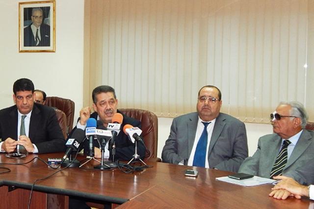 المعارضة تطالب بإنهاء الخلاف حول لجنة الانتخابات المقبلة